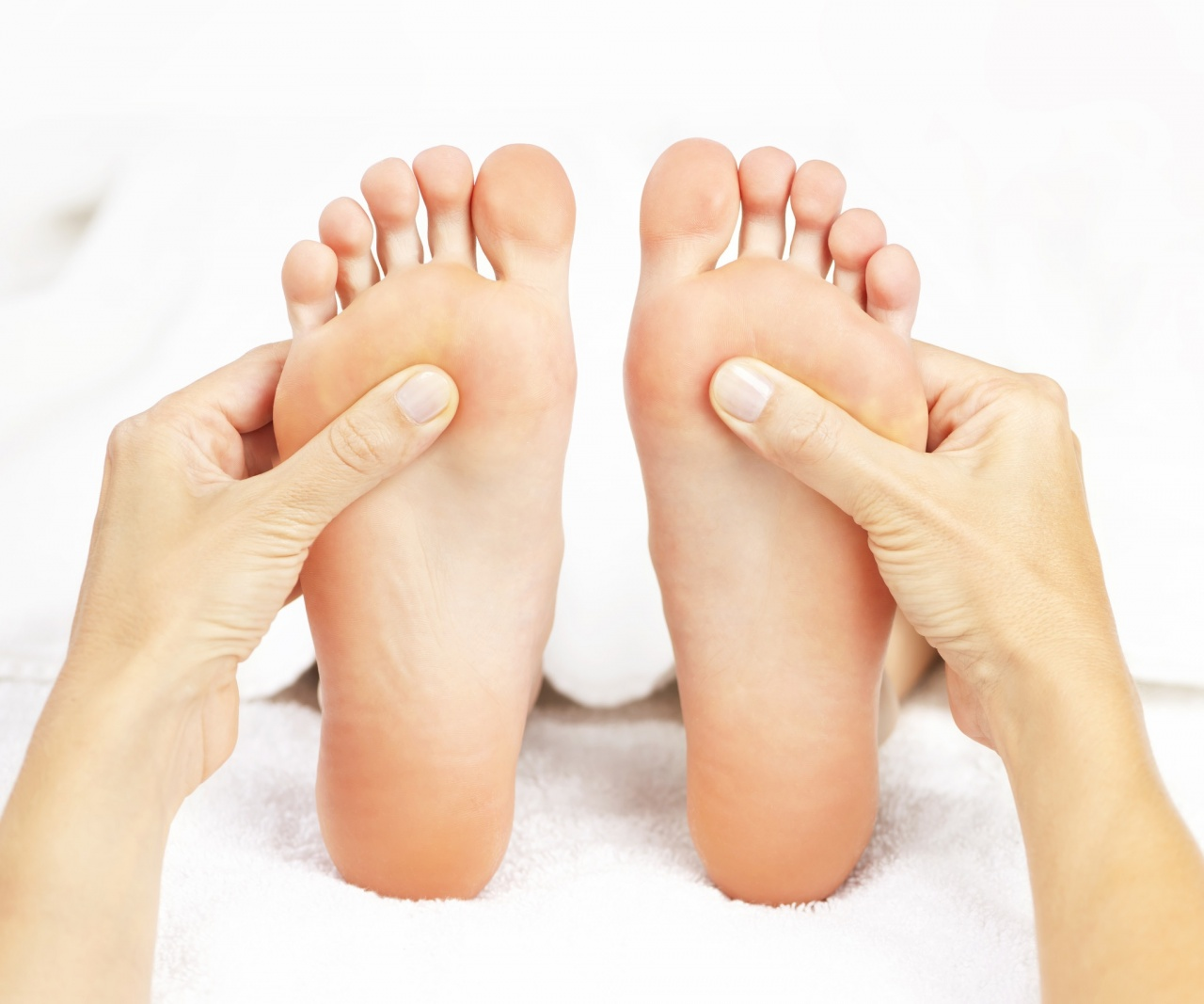 La desaparición de los asteriscos vasculares en los pies por el láser en moskve